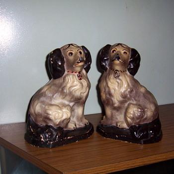 chalkware  spaniels - Pottery