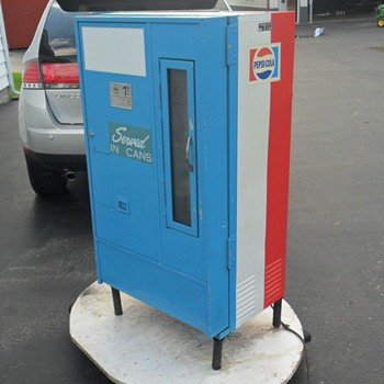 1960's Pepsi Vending Machine - Coin Operated