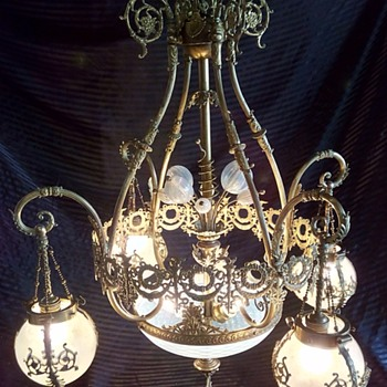 What period / style is this Chandelier - Lamps