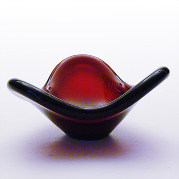 Per Lütken_FIONIA bowl in RED - Art Glass