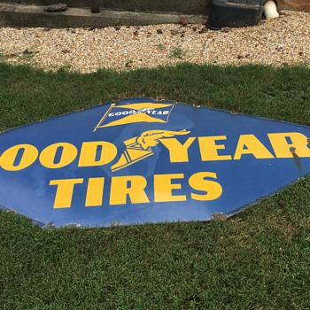 Has anyone seen a very large diamond Goodyear tire sign with a flat bottom? - Petroliana