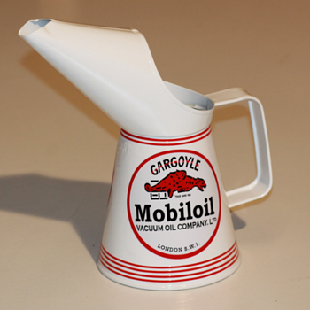 1959 MOBIL OIL JUG GARGOYLE OIL CAN QUART - Petroliana