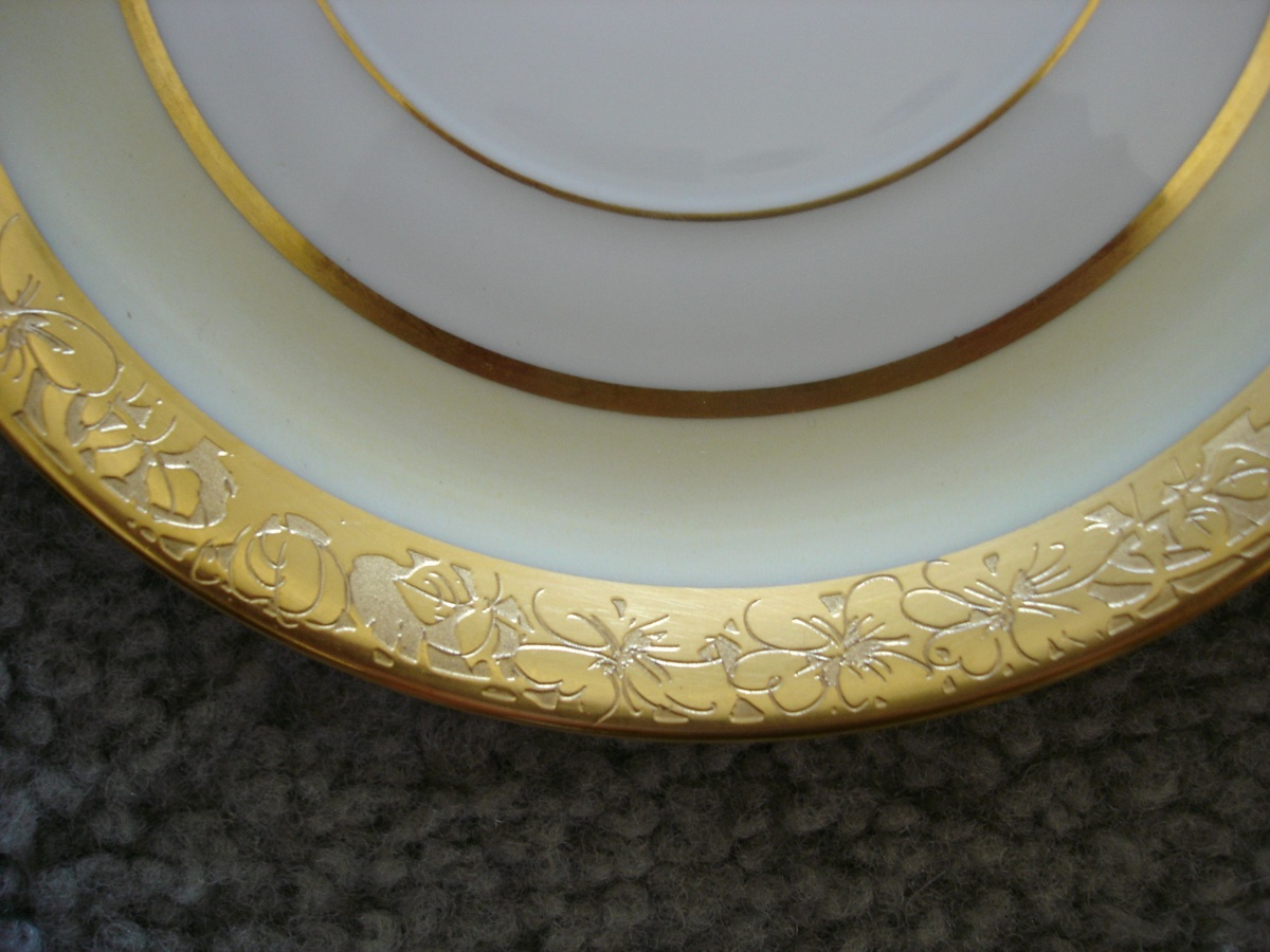 Rosenthal Selb-Bavaria China set... trying to identify pattern! | Collectors Weekly & Rosenthal Selb-Bavaria China set... trying to identify pattern ...