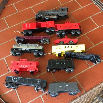 Plastic train pieces - Model Trains