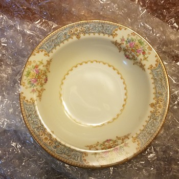 Looking for Occupied Japan Noritake china pattern name and it is different from Chenovia - China and Dinnerware
