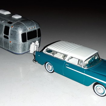 Greenlight Collectibles Estate Wagaons Series 3 1955 Chevrolet Nomad - Model Cars