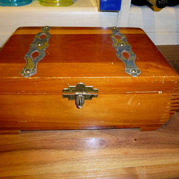 Signed and dated 1937 Cedar box - Art Deco