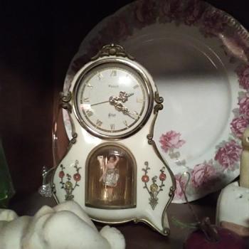Clock with dancing girl - Clocks
