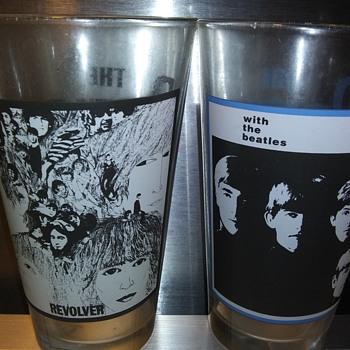 THE BEATLES ON GLASS - Music Memorabilia