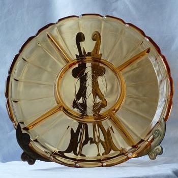 """Au Gourmet"", amber glass, divided serving platter - Glassware"