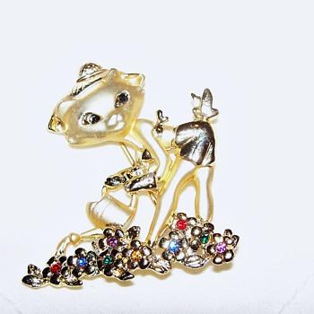 Mrs.Kitty in her garden... - Costume Jewelry