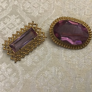 Two pink brooches - Fine Jewelry