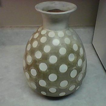 PERU POTTERY VASE - Pottery
