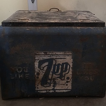 7 -up cooler  - Advertising