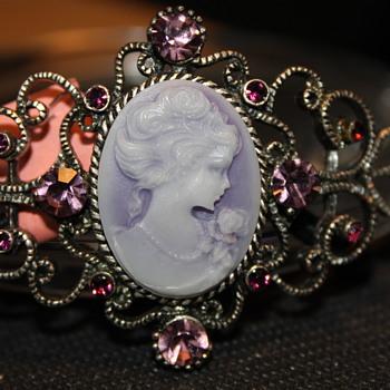 Cameo Costume Jewelry  - Costume Jewelry
