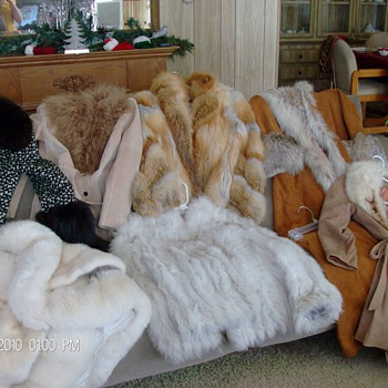 (7) REAL FOX FUR COATS FROM 80'S    - Womens Clothing