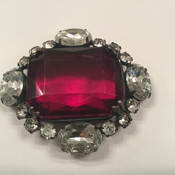 KJL BROOCH - Costume Jewelry