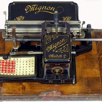 Mignon 2 typewriter - 1905 - Office