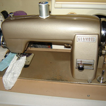Kenmore Sewing Machine - Sewing