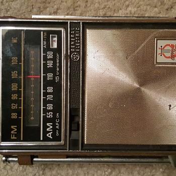 Model :  GE Transistor Radio P975F