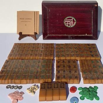 Antique Mahjong Set - Games