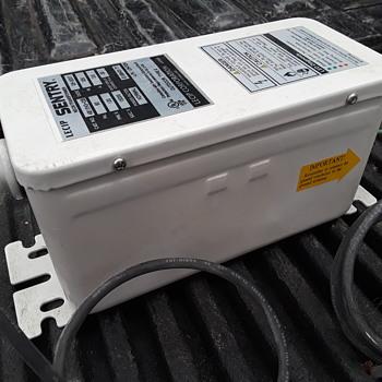 SENTRY neon transformer - Electronics