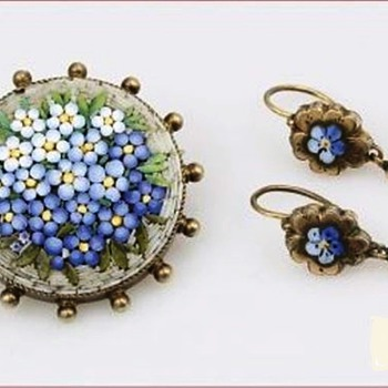 ANTIQUE VICTORIAN FORGET ME NOT FLOWER TESSERAE MICRO MOSAIC BROOCH AND DANGLE EARRINGS - Fine Jewelry