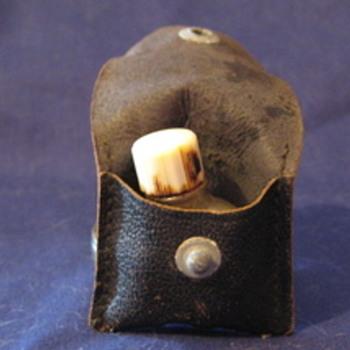 Vintage leather pouch and Bottle 4711 MIGNON Lavender Salts Minature  - Bottles