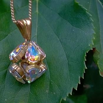 Rainbow Crystal Costume Pendant....Free... - Costume Jewelry