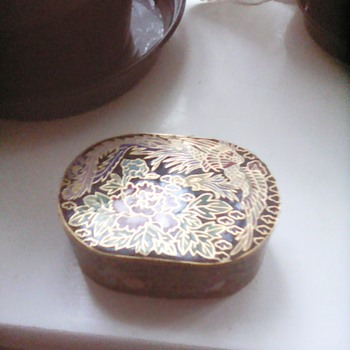 My cloisonne trinket box - Asian