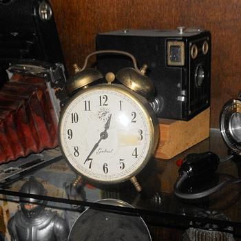 Gabriel Alarm Clock Circa 1965 - Clocks