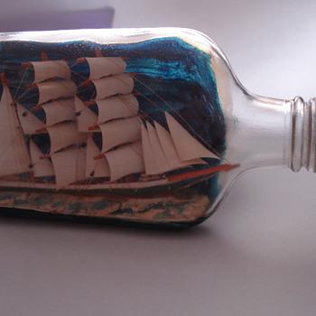 CREAM OF KENTUCKY BOURBON - Bottles