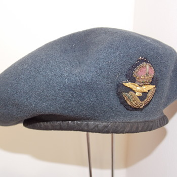 King's Crown Royal Air Force Officer's beret - Military and Wartime