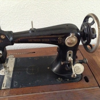 Southern Queen treadle sewing machine - Sewing