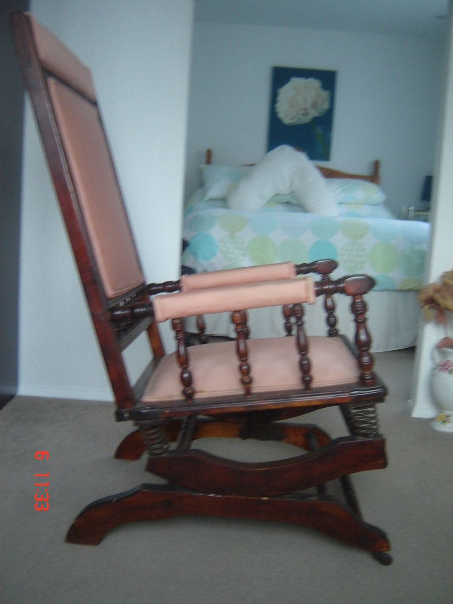 Dexter Rocking Chair With 6 Spring Suspension Collectors