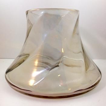 """Marie Kirschner Loetz """"kristall schief gewalzt hell Iris"""" vase, PN 1090/193, ca. 1905-1908 - Art Glass"""