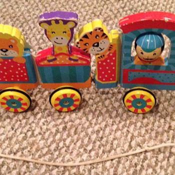 Need help figuring out this wooden train pull toy - Toys