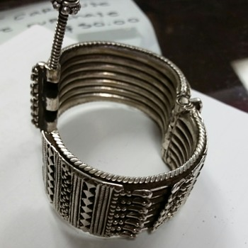 Silver bracelet With Fail Safe Lock.
