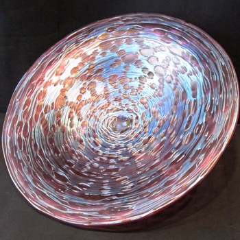 Loetz Pink Diaspora New Footed Center Piece. - Art Glass