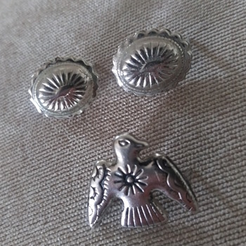 These little conchos are cute. - Fine Jewelry