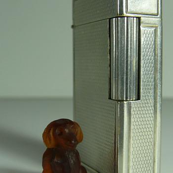 miniature dachshund.... czech? gablonz?? - Art Glass