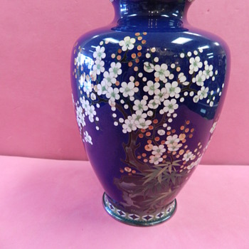 JAPANESE SILVERWIRE CLOISONNE VASE, SIGNED W/JAPANESE CHARACTERS