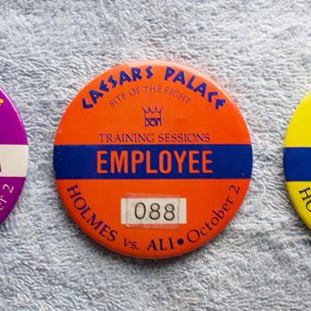 Ali/Homes Fight Credentials October 1980 - Medals Pins and Badges