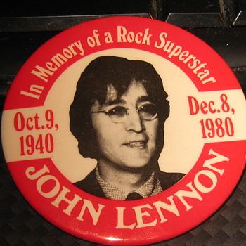 John Lennon pin - Music Memorabilia