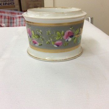 Trinket box. - China and Dinnerware