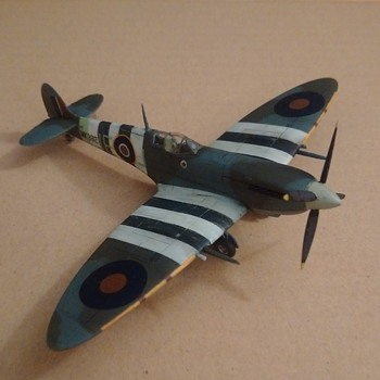 Airfix Supermarine Spitfire Mk IX 1944 (75th Anniversary of D Day post) - Military and Wartime