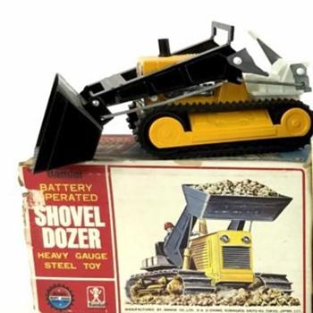 Bandai Battery Operated Shovel Dozer - Toys