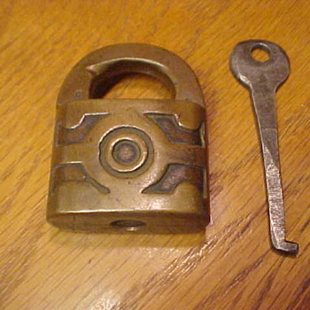 Help! Can anyone tell me somthing about this lock. - Tools and Hardware