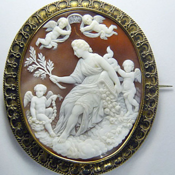 Fine large Be quiet Victorian cameo - Victorian Era