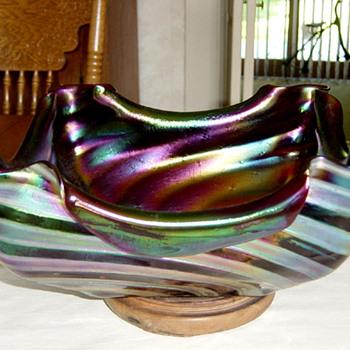 Genuine Loetz Bowl Guaranteed (NOT !) - Art Glass